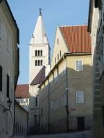 Jižní věž sv.Jiří zvaná Adam od východu zJiřské ulice