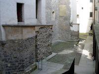 Románská hradba